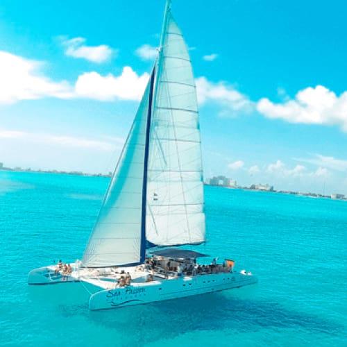 https://happyshuttlecancun.com/images/catamaran-home.jpg
